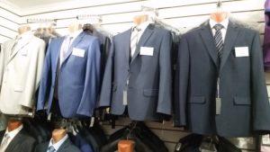 Деловые костюмы на рынке Садовод