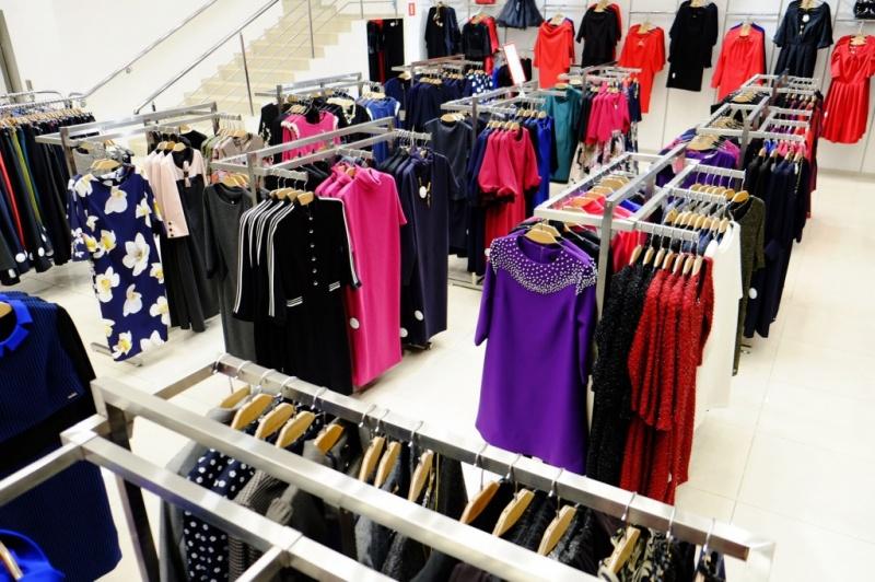 Женская одежда на рынке Садовод