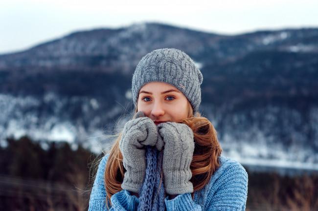 Теплые варежки для девушек и мужчин