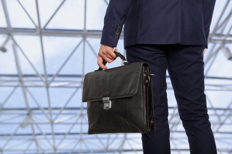 Мужские и школьные портфели на Садоводе