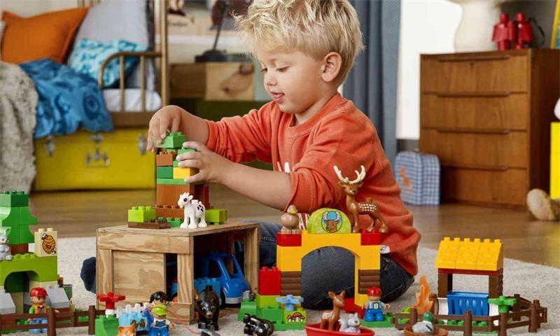 Детские игрушки на рынке Садовод